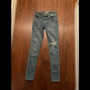 Levis 711 skinny distorted jeans 26 x 32